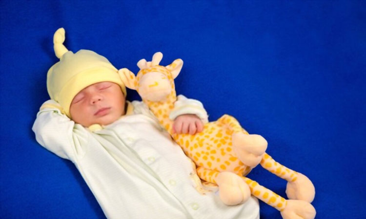 10-Cute-Baby-Giraffe-Soft-Toys-for-your-Child-Feature-Image-3